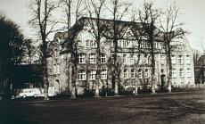 Schloßplatz. Friedrich-Ebert-Schule. Ansicht um 1950
